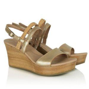 UGG Lira Gold Washed Leather Wedge Sandal 8